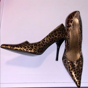 Wet Seal Shoes - Leapord print heels NWT size 6.5